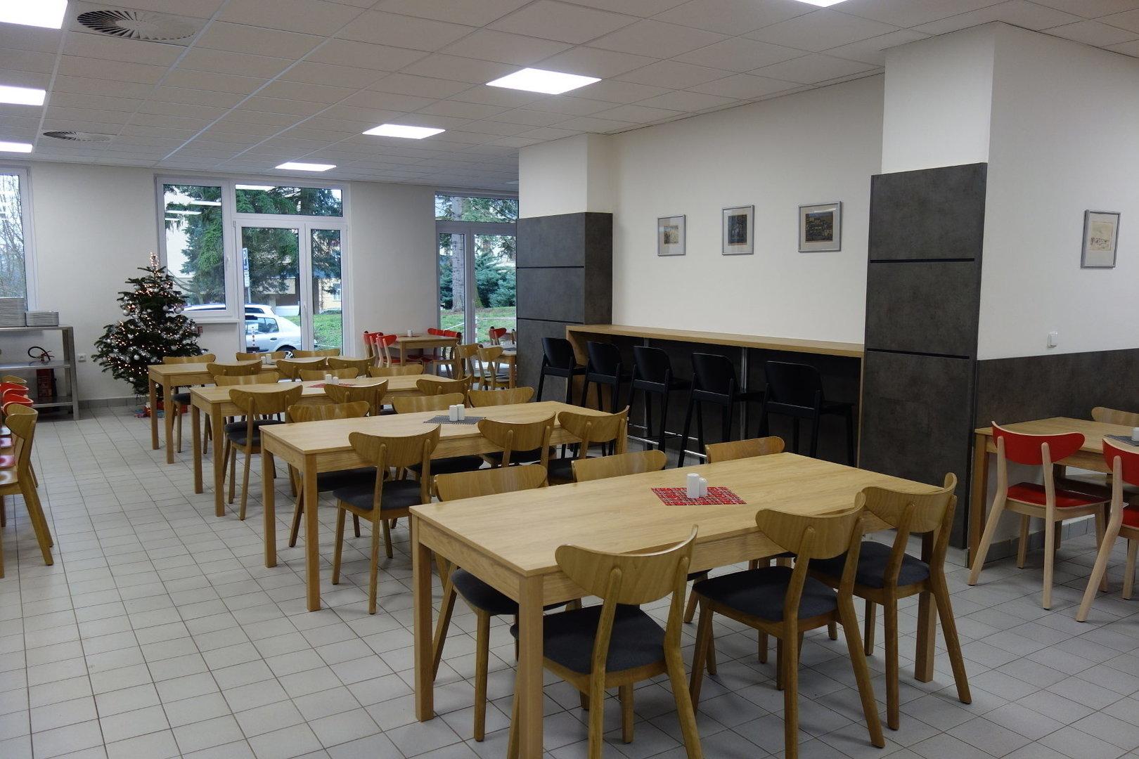 Restaurační stůl 136, 180x80cm deska lamino
