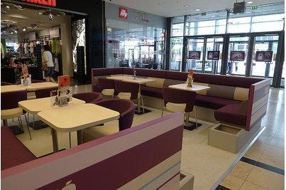 Café Arkadia - Café Arkadia - židle Tondone