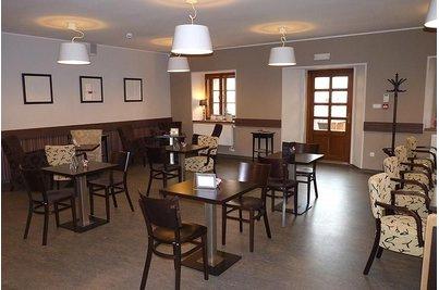 Café Charmé Kunratická tvrz - Café Charmé - nábytek interiér