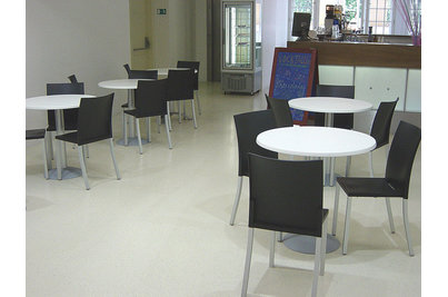 Café Cool - Café Cool interiér
