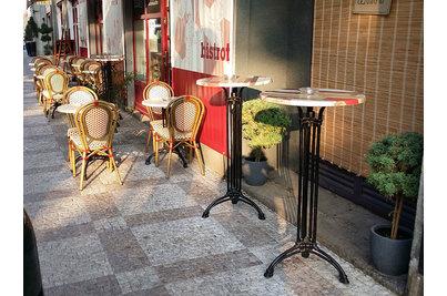 Cafe Terapie - Cafe Terapie - snackové stoly s podnoží Dominique 3