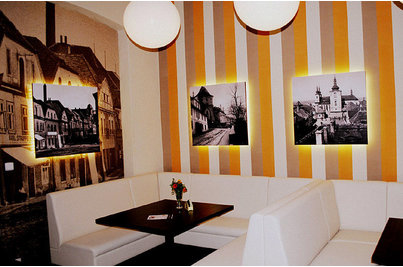 Café restaurant U Zlatého Beránka - čalouněné lavice DIVAN v restauraci U Zlatého beránka