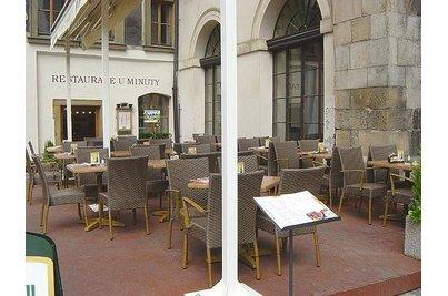 Restaurace U minuty - celkový pohled na zahrádku