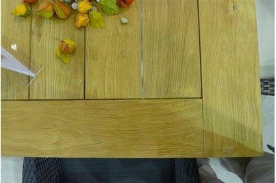 Detail teakové desky
