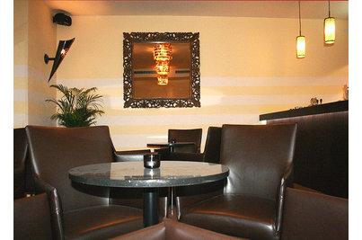 Restaurace bar Zelená zahrada - křesla Klasik v tmavě hnědé kožence