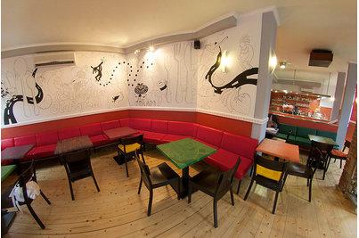 Juice bar Kokopelli - pohled rybím okem na bar