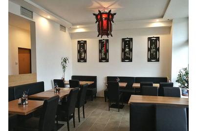 Restaurace Hui Feng - restaurace Hui Feng s židlemi Ivonne