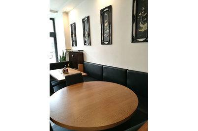 Restaurace Hui Feng - restaurace Hui Feng - stůl s masivní dubovou deskou