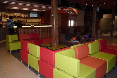 Tukan restaurace bowling - sedací systém DADO