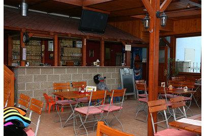 Restaurace Na Schůdkách - stoly Klasik a židle Arnika