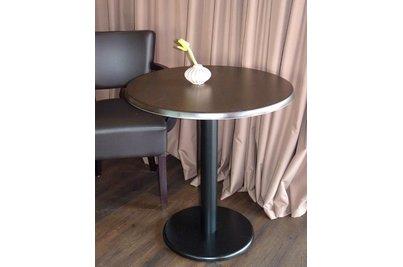 Café Marmalade Dolní Břežany - Stůl Basic 025RSM deska SM France SOLO Wenge