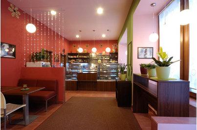 Cukrárna Marmeláda - vlevo sezení se sedačkou RIO SUPER