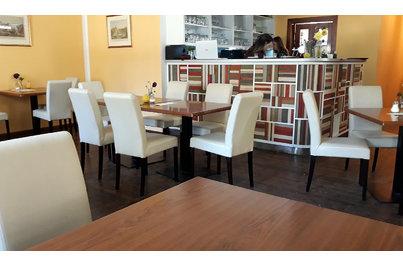 Zámecká kavárna a restaurace Kostelec nad Orlicí - zámecká kavárna a restaurace v Kostelci nad Orlicí