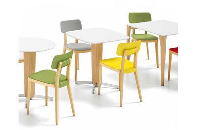 židle a kavárenské stoly Porta Venezia