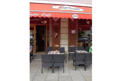 Mystic café Písek - židle Mezza Mocca v kavárně Mystic café