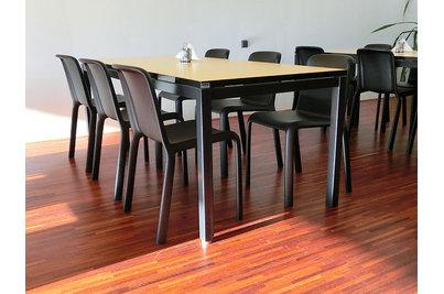 Jídelna Velteko - židle Snow v jídelně Velteko