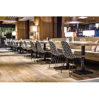 Nábytek do kavárny - židle EOS M PAD v kavárně