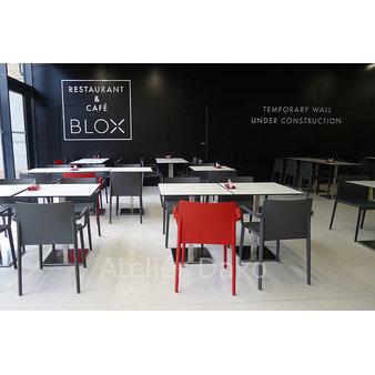 Nábytek do restaurace - židle Volt a stoly Pedrali Inox v restauraci Blox