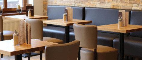 Kavárenské stoly