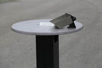 Venkovní popelníky a kuřácké stoly