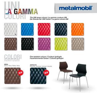 židle UNI v nových barvách
