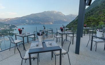 Stoly a židle SUMMER - moderní terasy