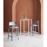 barová židle Abuela v interiéru
