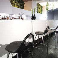 barová židle Jimmy v moderním interiéru