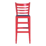 čelní pohled na židle v červené krycí barvě