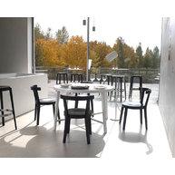 interiér se židlemi PUNTON