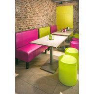 lavice Dublin v moderní restauraci
