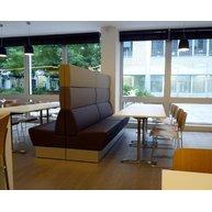 lavice Space s atypickým řešením panelů Abaco