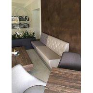 lavice Space v Caffé dela Terra, prošívané opěradlo