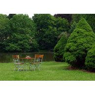 romantické zátiší se židlemi Arnika a stolem Klasik