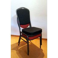 stohování banketových židlí