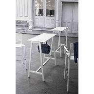 stoly STEP s barovými židlemi KALIPA