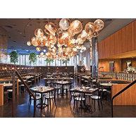 židle 018 v restauraci Marble Lane v New Yorku