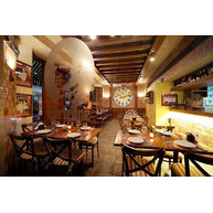 Židle 150 v restauraci Corleone v Bejrůtu