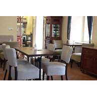 židle 785 v kavárně Štrúdl Krumlov