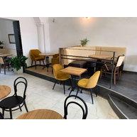 židle Emile v Café Ignác