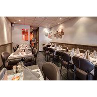 židle Floriane Ovalo v restauraci Chez Duche