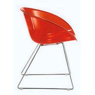 židle Gliss v červené transparentní barvě