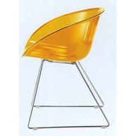 židle Gliss v oranžové transparentní barvě