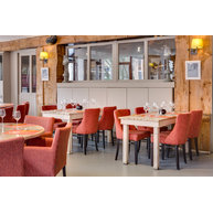 židle LENA v restauraci Coeur des Sens