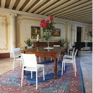 židle Magic v klasickém interiéru