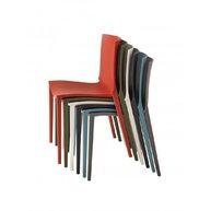 židle Palau je stohovatelná