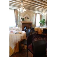 židle Parma v interiéru