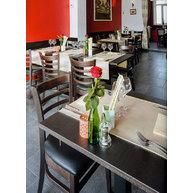 židle PUB v interiéru restaurace