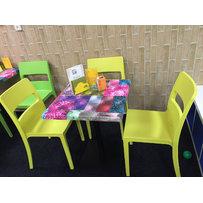 Výprodej - židle SAI a stoly Cabaret