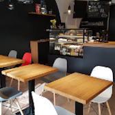 Nábytek do kavárny